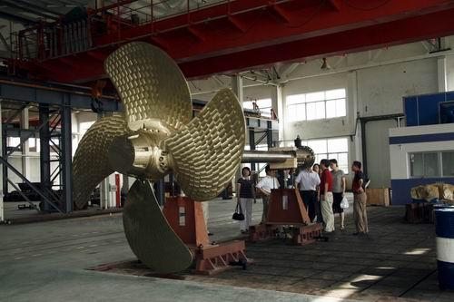 船舶可调螺距螺旋桨图片